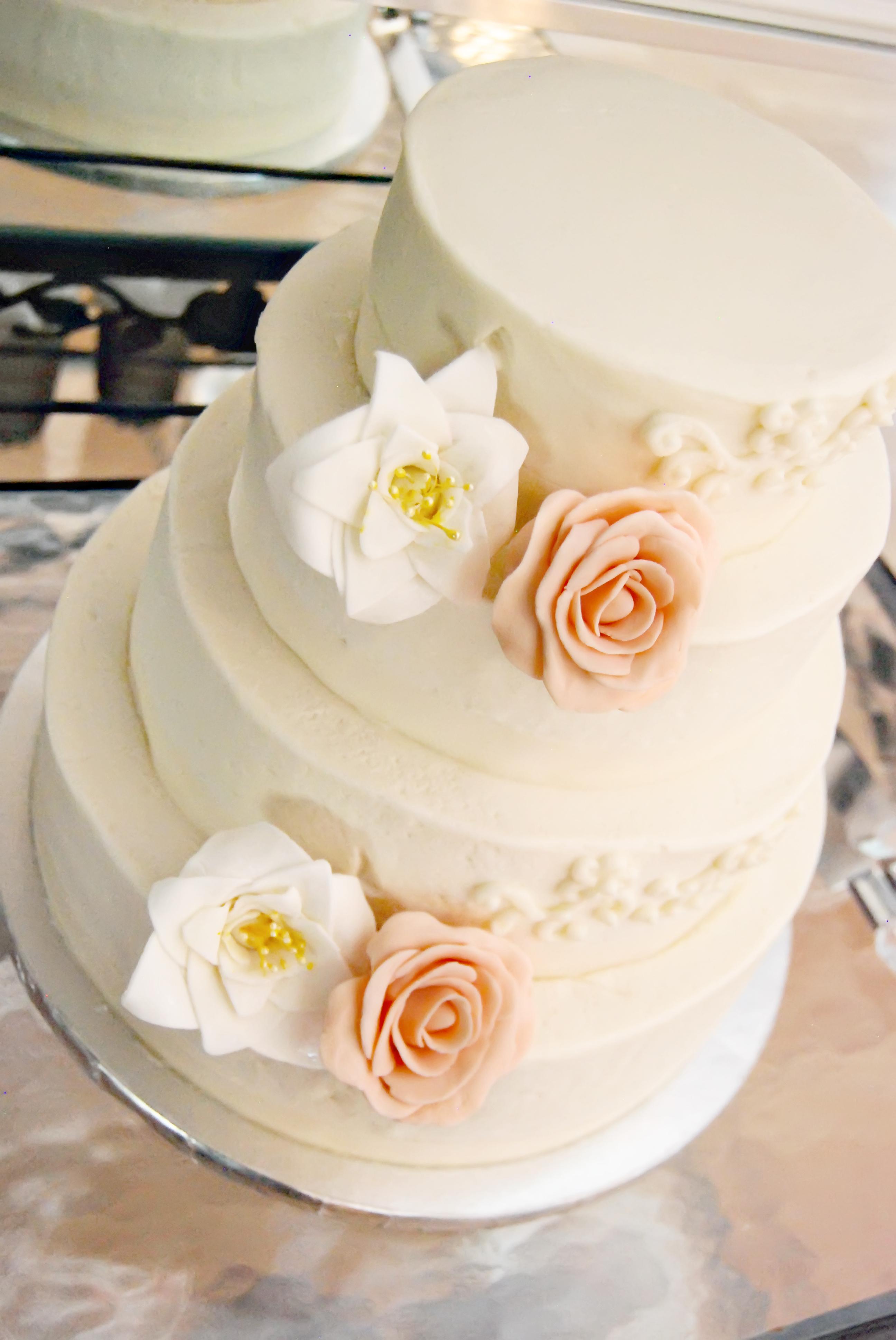 Bakery Stores Sells Red Velvet Cake
